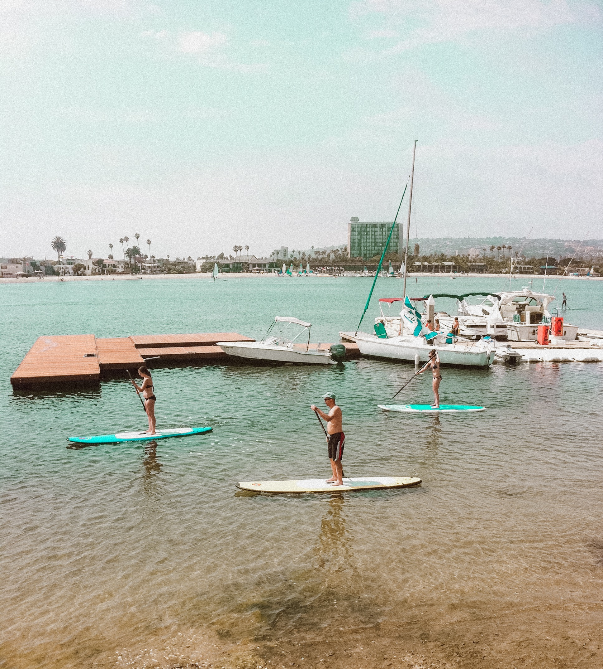 paddle boarding in mission bay san diego