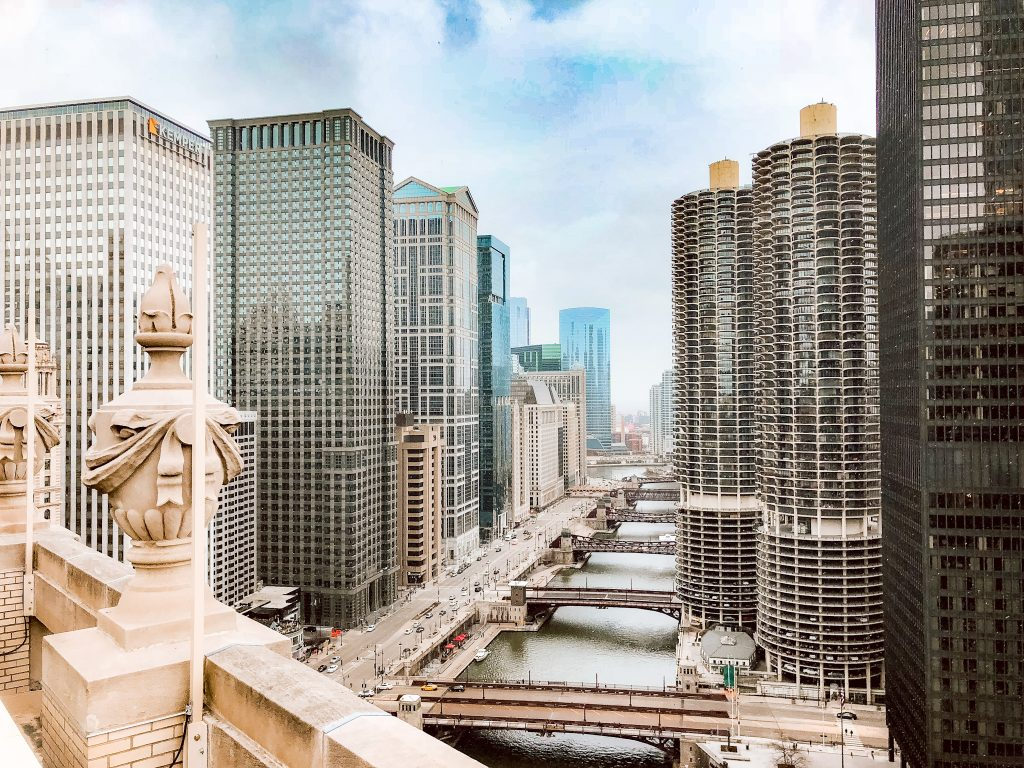 London House in Chicago - Michigan Ave Views