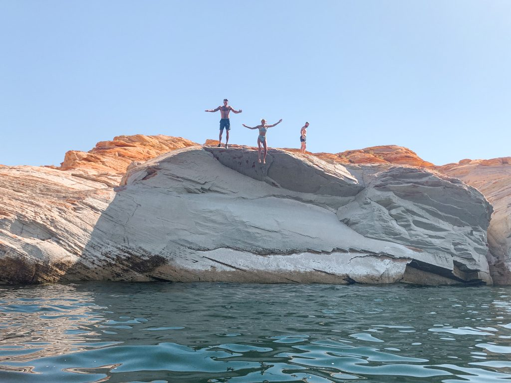 Cliff Jumping in Lake Powel