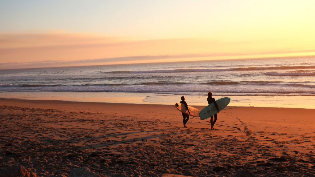 Couples Surfing in Maui Hawaii